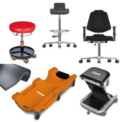 Stołki, krzesła, podpórki, maty